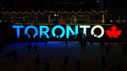 With the attractive exchange rate and Toronto being only a short drive away, guests can experience world-class restaurants, a thriving theatre district, distinctive shops, unique attractions, art galleries and museums.